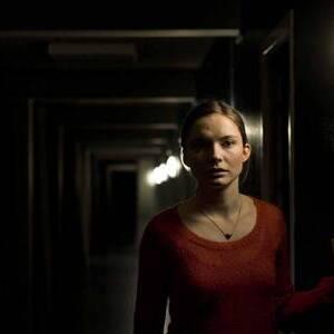 Neel Ronholt as Katrine