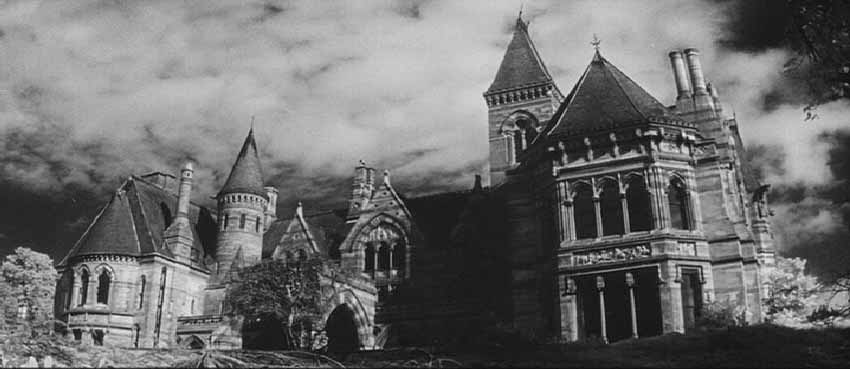 Hill House stands stark and ominous in THE HAUNTING (1963)