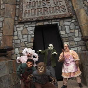 Best Theme Park Halloween Attractions in Los Angeles