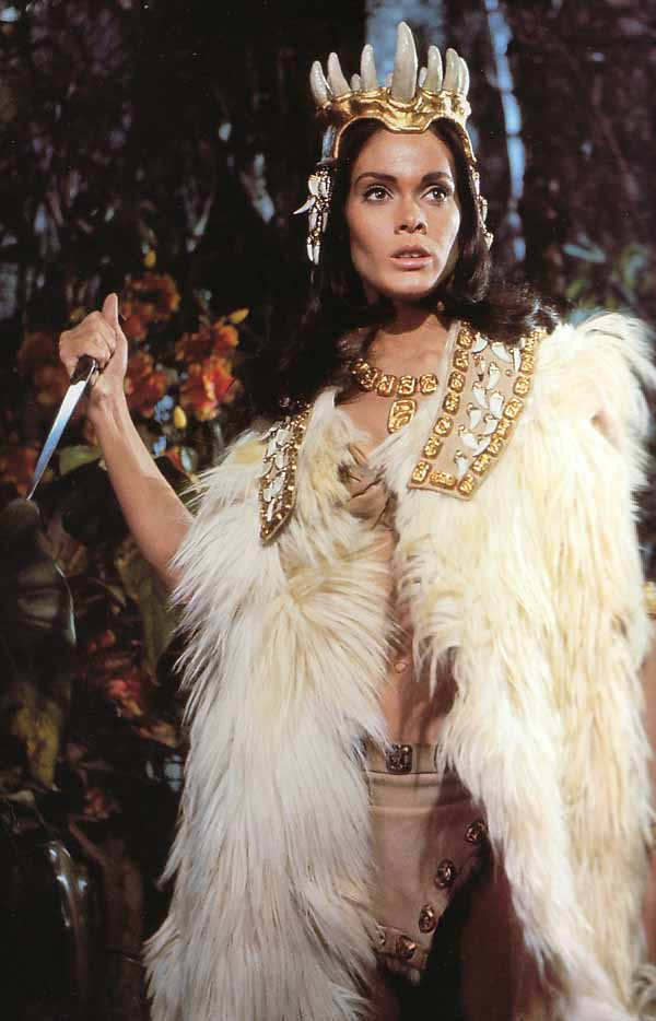 Martine Beswicke in PREHISTORIC WOMEN