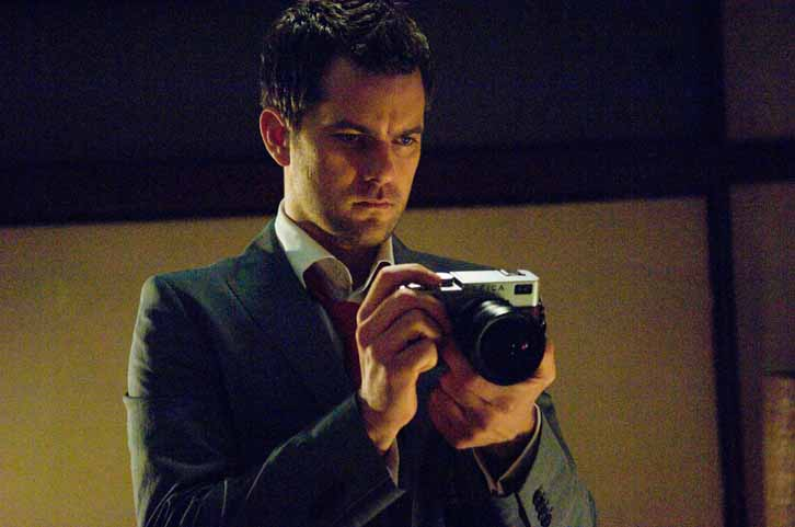 Joshua Jackson as an American photogrrapher haunted by a ghost in Japan.