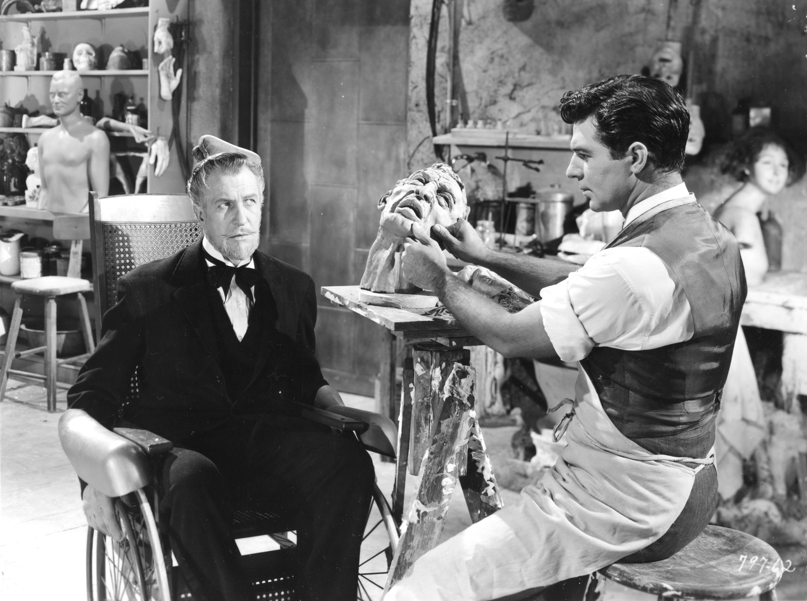 Vincent Price (seated) as Henry Jarrod, the role the launched him into horror stardom.
