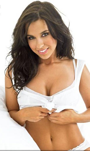 Lacy Chabert plays one of the beautiful but not particularly brainy sorotiy sisters.