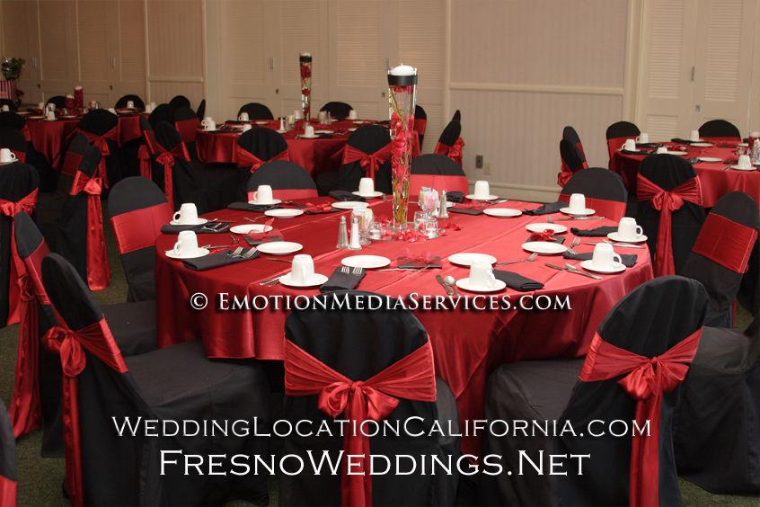 Red and black wedding reception idea
